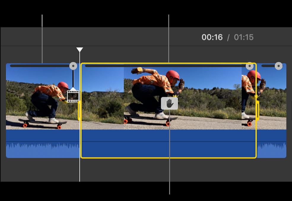 Clip de cuadro congelado insertado en la posición del cursor de reproducción en la línea de tiempo