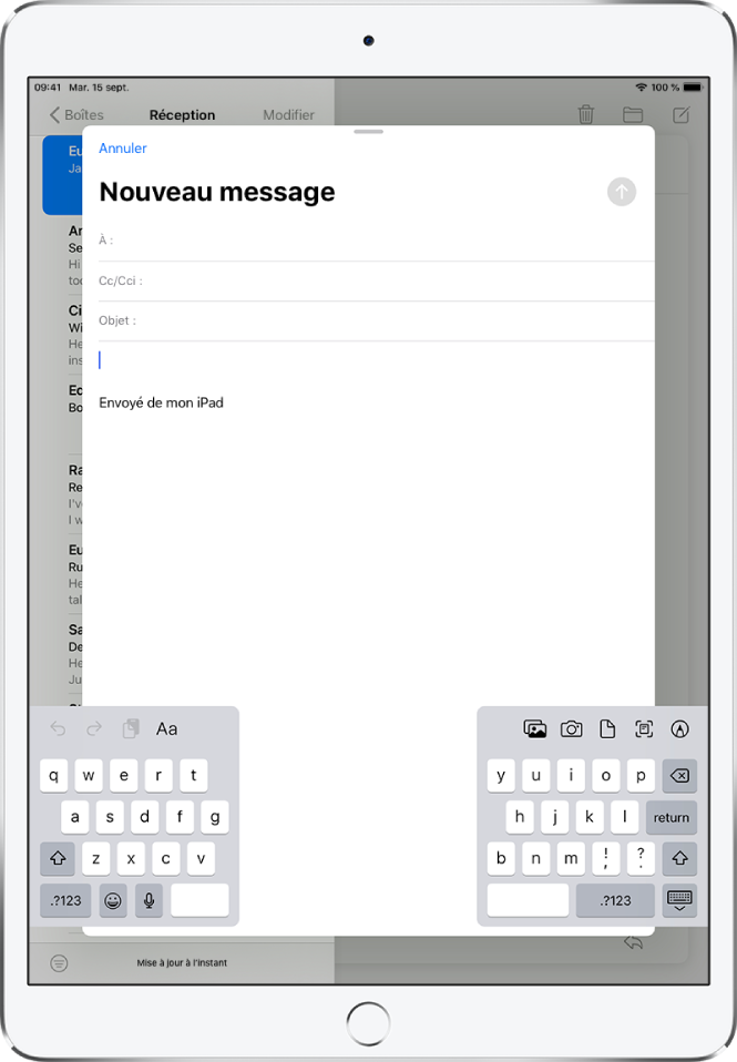 Un nouvel e-mail en train d'être composé avec le clavier dissocié et détaché en bas de l'écran de l'iPad.