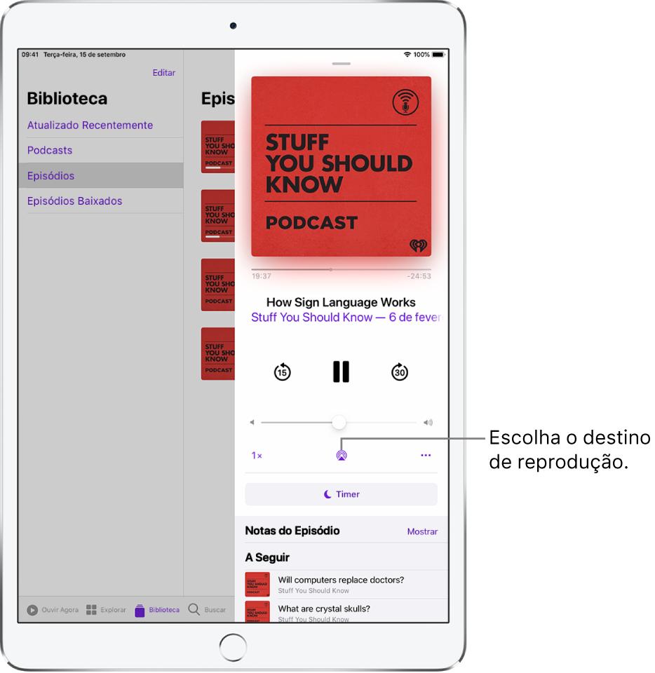 Os controles em Reproduzindo no app Música. O botão Destino da Reprodução aparece na parte inferior da tela.