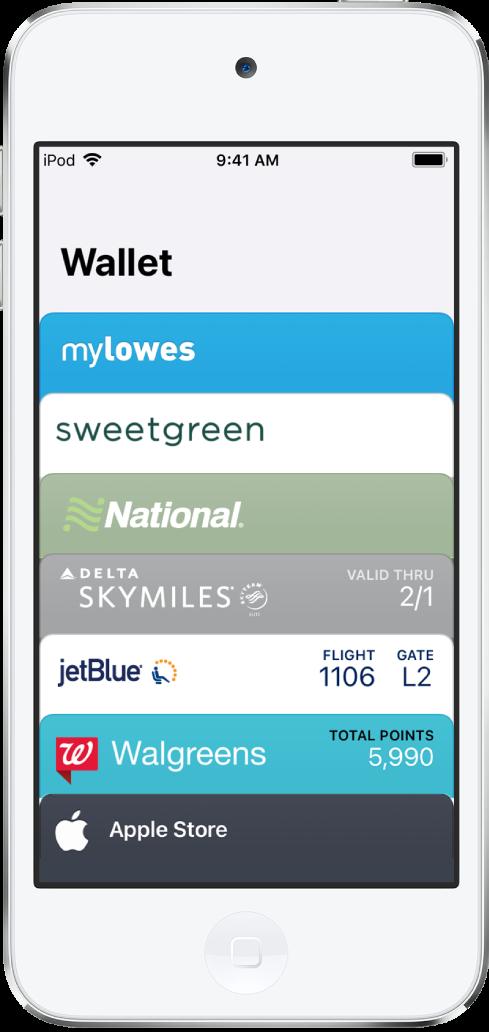 L'écran Wallet affichant le haut de plusieurs cartes. Touchez un passe pour en afficher les détails.