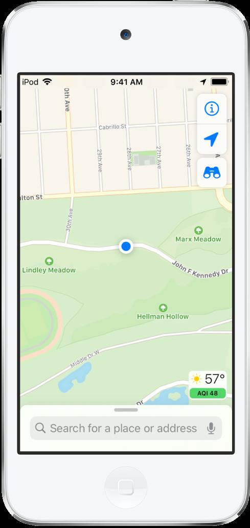 Een kaart met de huidige locatie in een stadspark.