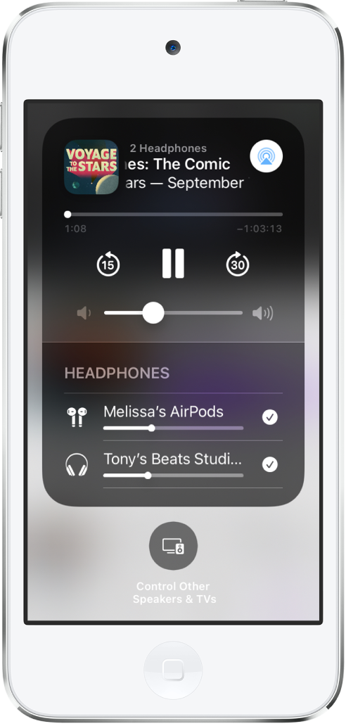 En Kontrollsenter-skjerm som viser at AirPods og Beats-hodetelefoner er koblet til.