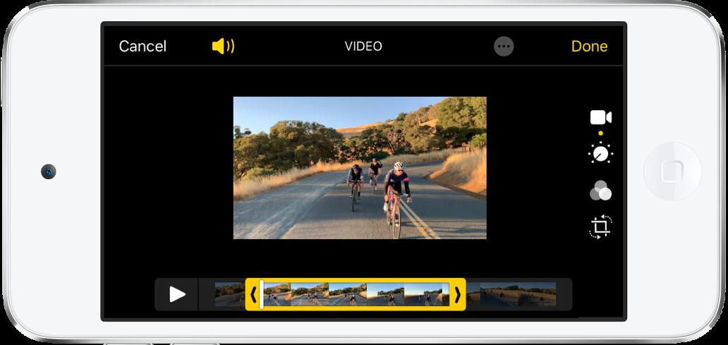 Alt tarafta kare görüntüleyici olan bir video. Vazgeç ve Oynat düğmeleri sol altta, Bitti düğmesi ise sağ altta.
