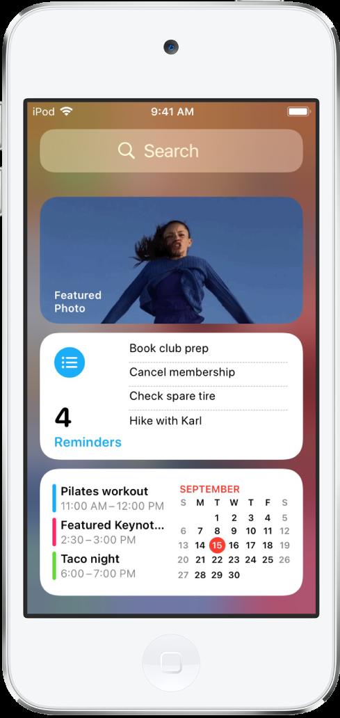 iPod touch 上的「今天概覽」小工具,包含「照片」、「提醒事項」和「行事曆」小工具。