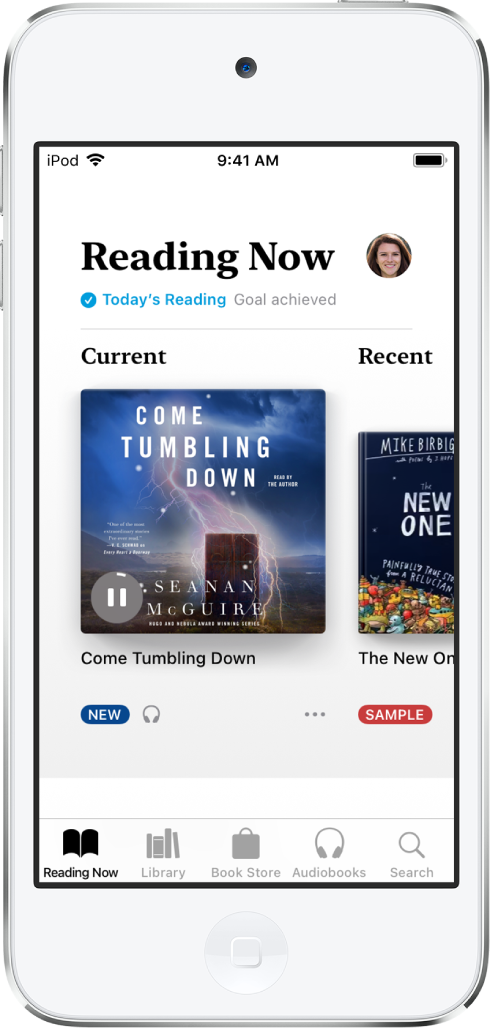 「書籍」App 中的「閱讀中」畫面。螢幕底部由左至右為:「閱讀中」、「書庫」、「書店」、「有聲書」和「搜尋」標籤頁。