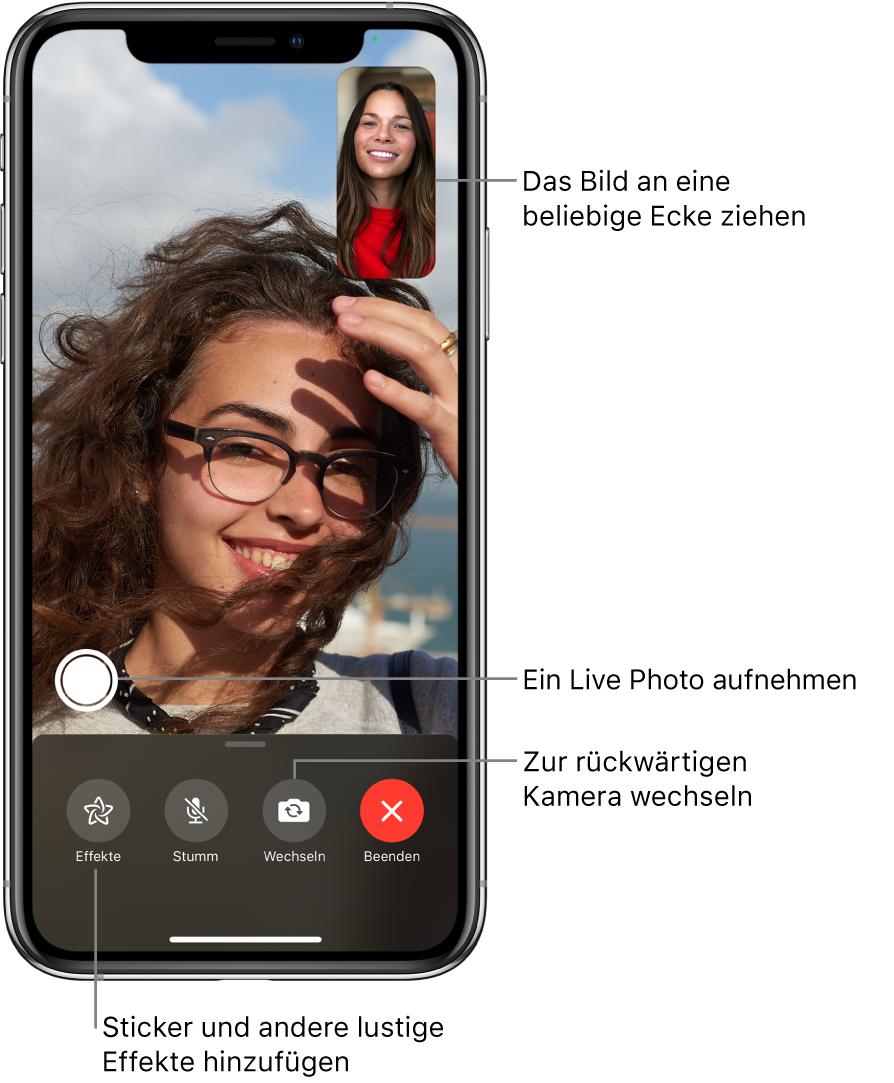 """Der Bildschirm """"FaceTime"""" während eines Anrufs. Dein Bild wird in einem kleinen Rechteck rechts oben angezeigt. Das Bild der anderen Person füllt den Bildschirm. Am unteren Bildschirmrand sind die Tasten """"Effekte"""", """"Stumm"""", """"Wechseln"""" und """"Ende"""" zu sehen. Darüber befindet sich die Taste zum Aufnehmen eines LivePhoto."""