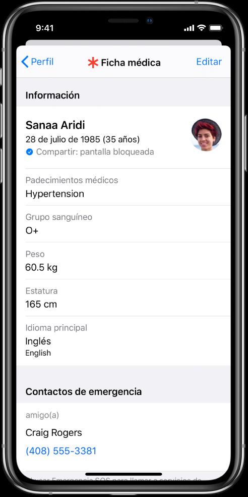 Una pantalla de ficha médica con información que incluye la fecha de nacimiento, enfermedades, medicamentos y un contacto de emergencia.
