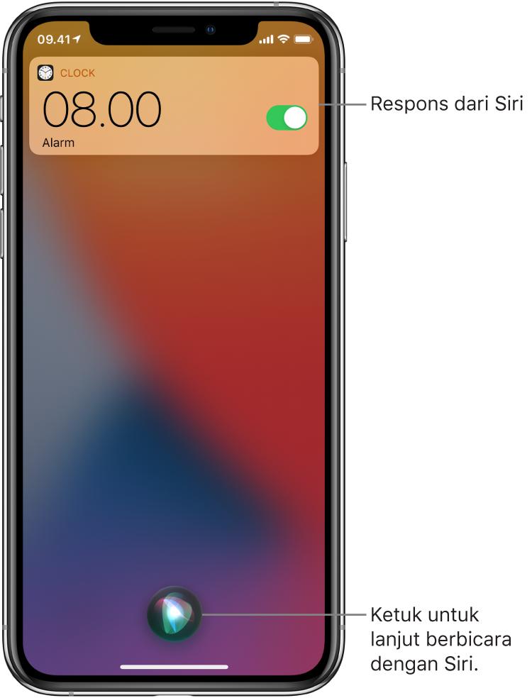 Siri di Layar Terkunci. Pemberitahuan dari app Jam memperlihatkan bahwa alarm dinyalakan untuk pukul 08.00. Tombol di tengah bawah layar digunakan untuk melanjutkan berbicara dengan Siri.