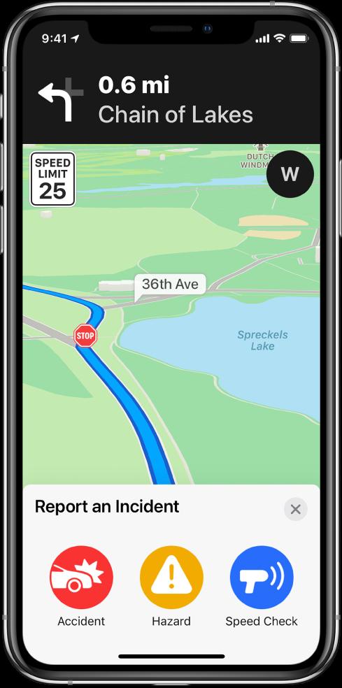 """Žemėlapis, ekrano apačioje rodoma kortelė pavadinimu """"Report an Incident"""". Maršruto kortelėje yra mygtukai """"Accident"""", """"Hazard"""" ir """"Speed Check""""."""