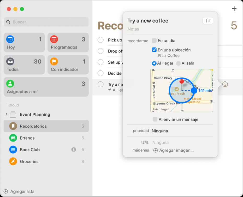 La ventana de información de un recordatorio, configurado para enviar una notificación en una ubicación.