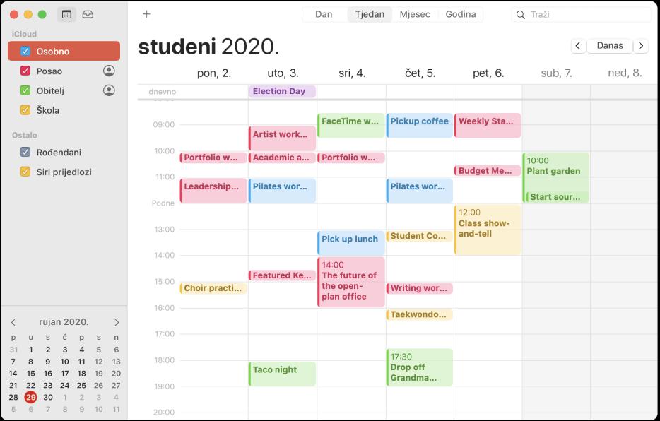 Prozor Kalendar u prikazu Mjesec koji prikazuje događaje kodirane bojom za osobne, poslovne, obiteljske i školske kalendare u rubnom stupcu pod naslovom računa iClouda.