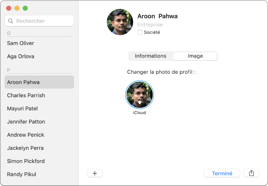 Dans la fenêtre Contacts, sur la gauche, un contact est sélectionné dans la liste de contacts. Sur la droite, dans la sous-fenêtre Image de la fiche du contact, se trouve l'image de profil du contact qu'il est possible de modifier en cliquant dessus.