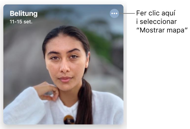 Una foto que representa les fotos fetes en un dia determinat, amb informació de la ubicació a la part superior esquerra i un botó a la part superior dreta que ofereix més opcions, inclosa l'opció de mostrar un mapa.