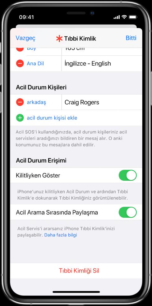Bir Tıbbi Kimlik ekranı. En altta, iPhone ekranı kilitliyken ve acil arama yaparken Tıbbi Kimlik bilgilerinizi gösterme seçenekleri bulunuyor.