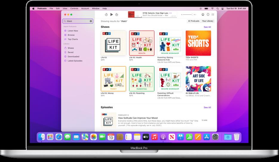 Jendela Apple Podcasts menampilkan string pencarian dan hasilnya.