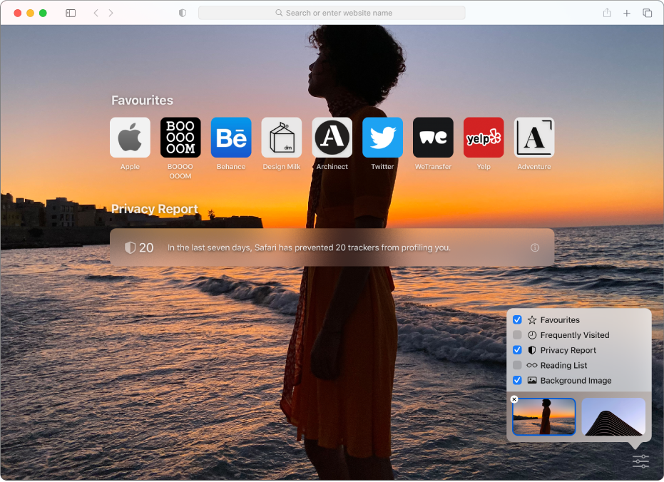 The Safari start page, showing favourite websites, a Privacy Report summary and customisation options.