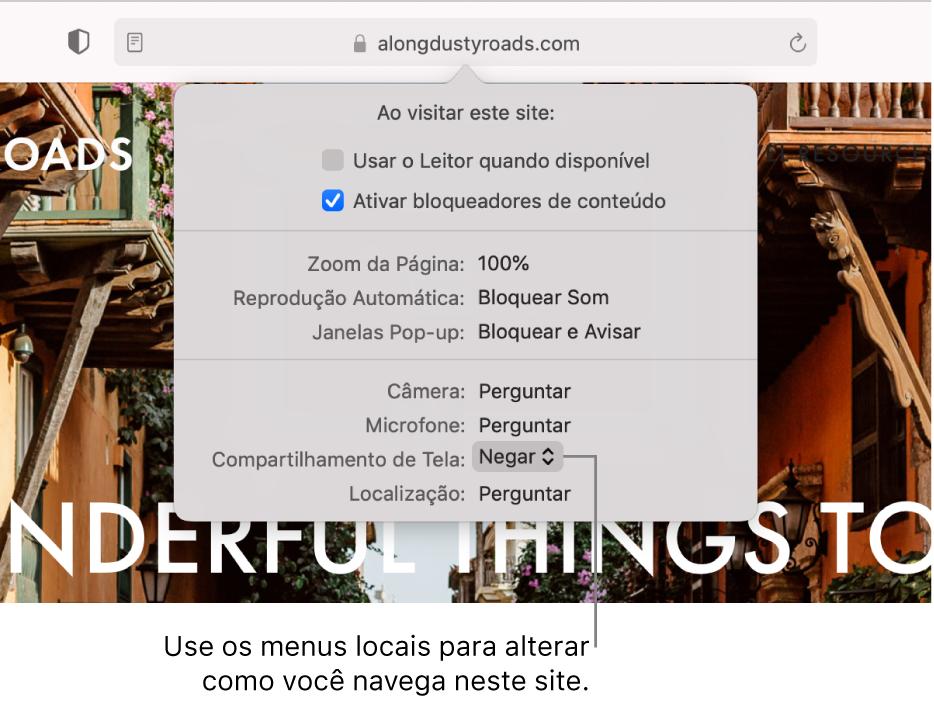 O diálogo que aparece abaixo do campo Busca Inteligente ao escolher Safari > Configurações para esse site. O diálogo contém escolha para personalizar como você navega pelo site atual, inclusive o visualizador Leitor, permitindo bloqueadores de conteúdo e mais.