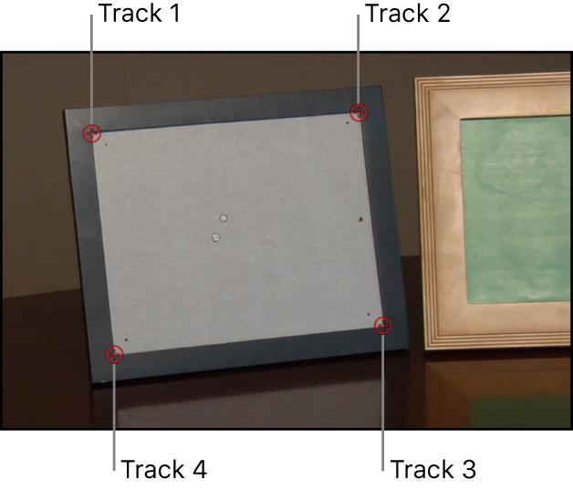 Lienzo y una capa de fondo con cuatro rastreadores aplicados