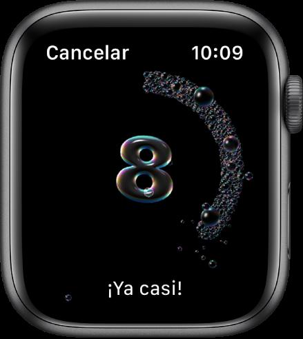 """La pantalla Lavado de Manos con una cuenta regresiva desde 8. Las palabras """"Ya casi"""" se muestran en la parte inferior."""