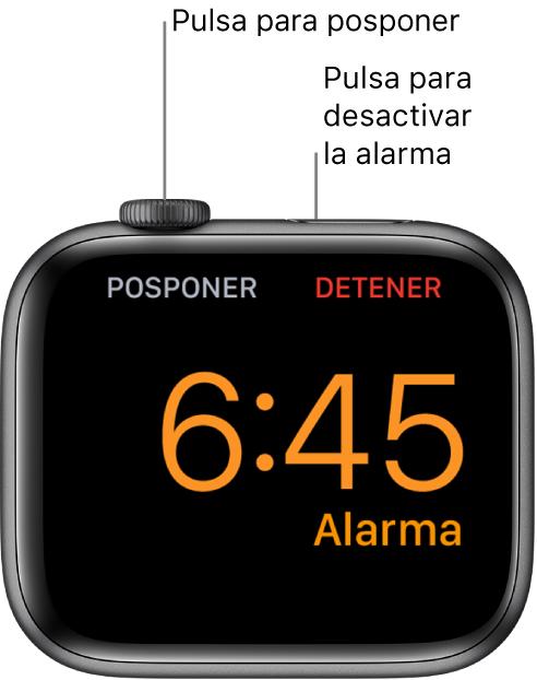 Un AppleWatch colocado de lado, con la pantalla que muestra una alarma que está sonando. Debajo de la corona DigitalCrown se ve la palabra Posponer. Debajo del botón lateral se ve la palabra Detener.