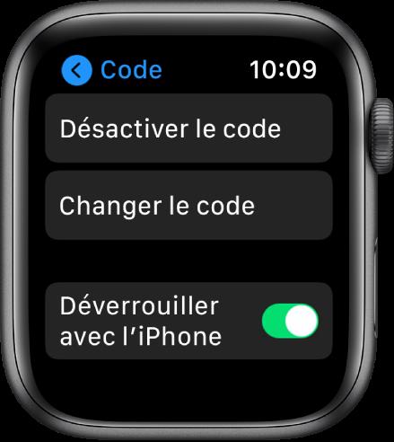 Réglages Code sur l'AppleWatch avec le bouton «Désactiver le code» en haut, le bouton «Changer le code» en dessous et le commutateur «Déverrouiller avec l'iPhone» en bas.