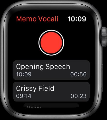 Apple Watch che mostra la schermata di Memo vocali. In alto è presente un pulsante rosso Registra. Sotto sono presenti due memo registrati. Mostrano quando sono stati registrati e la loro durata.