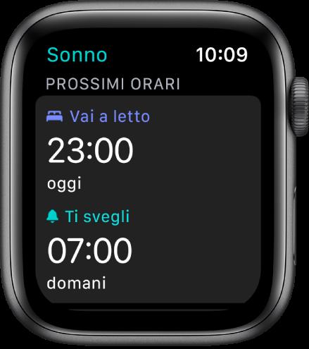 La schermata di Sonno mostrante gli orari prestabiliti per coricarsi. Sonno, vicino alla parte superiore, è impostato per le 23:00. Sotto c'è un orario di sveglia alle 07:00.