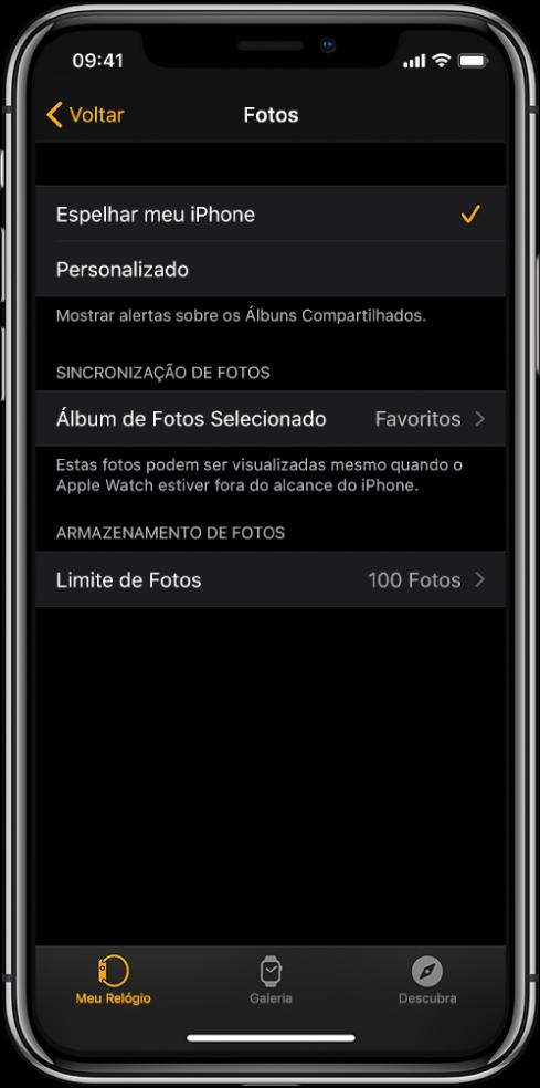Ajustes de fotos no app Apple Watch do iPhone, com o ajuste Sincronização de Fotos no meio e o ajuste Limite de Fotos abaixo desse.
