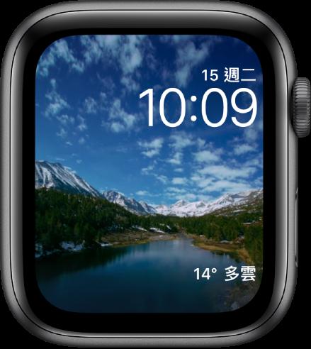 「縮時攝影」錶面顯示一些景點的縮時攝影影片。底部是「天氣」複雜功能。