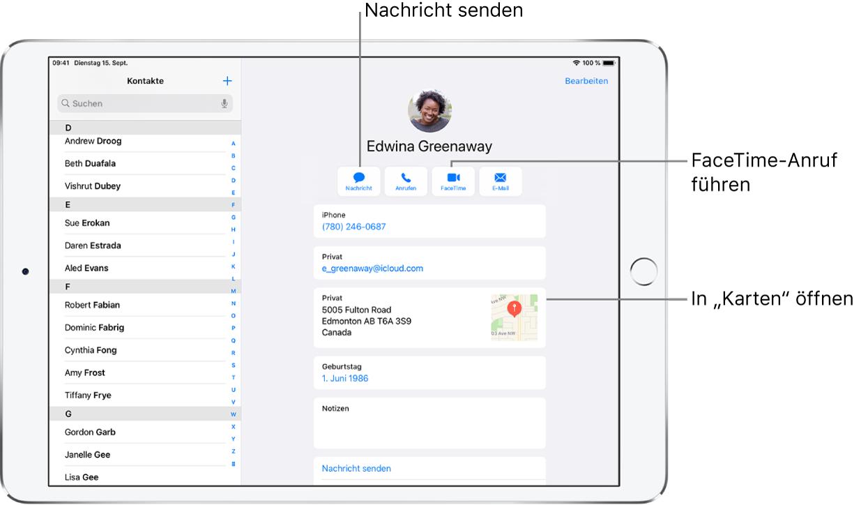 """Der Bildschirm """"Kontakte"""" mit der Kontaktliste auf der linken Seite und der ausgewählten Kontaktkarte auf der rechten Seite. Unter dem Foto und dem Namen des Kontakts befinden sich die Tasten zum Senden einer Nachricht, zum Tätigen eines Telefon- oder FaceTime-Anrufs sowie zum Senden einer E-Mail-Nachricht und von Geldbeträgen mit ApplePay. Unter den Tasten sind die Informationen des Kontakts zu sehen."""
