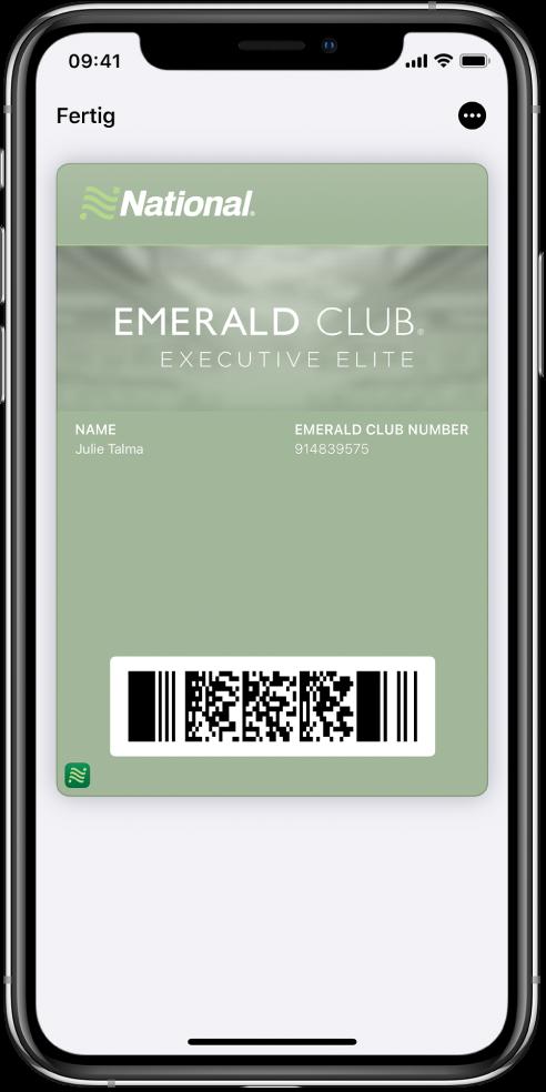 """Eine Bordkarte in der App """"Wallet"""" mit den Angaben zum Flug und dem QR-Code unten."""