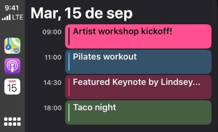 Una pantalla de calendario en CarPlay, mostrando 4 eventos para el martes, 15 de septiembre.