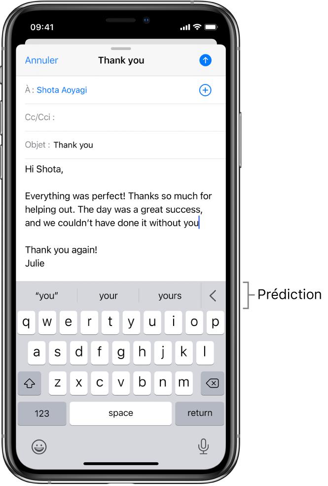 Message Mail montrant un e-mail en cours de modification, avec des suggestions pour terminer le mot suivant.