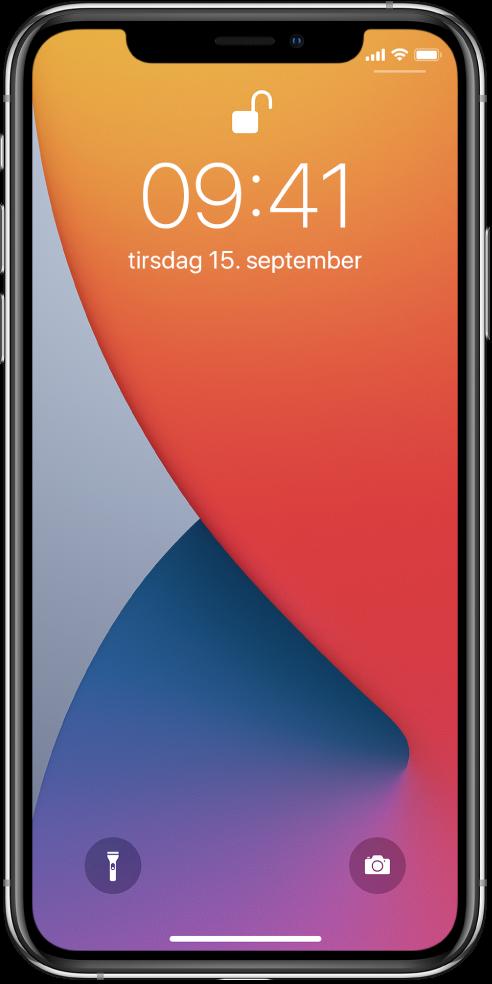 Låst skjerm på iPhone som viser tid og dato.