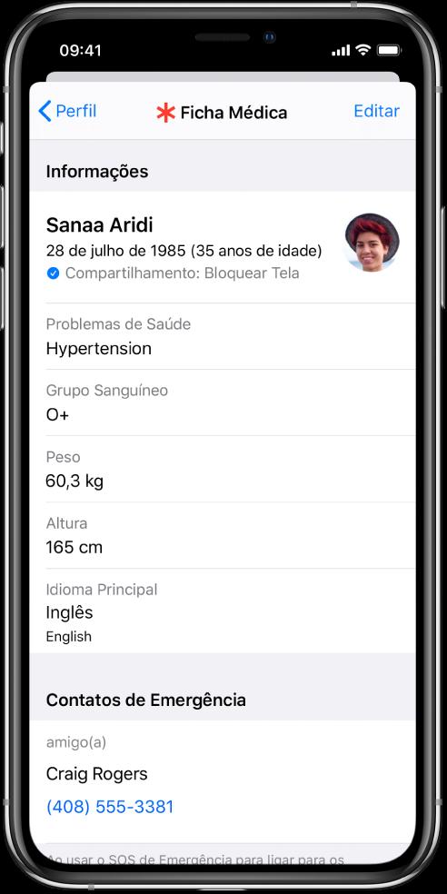 Tela de Ficha Médica com informações que incluem data de nascimento, problemas de saúde, medicamentos e um contato de emergência.