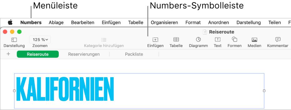 """Die Menüleiste oben auf dem Bildschirm mit den Menüs """"Apple"""", """"Numbers"""", """"Ablage"""", """"Bearbeiten"""", """"Einfügen"""", """"Format"""", """"Anordnen"""", """"Darstellung"""", """"Teilen"""", """"Fenster"""" und """"Hilfe"""" Unter den Menüleiste befindet sich eine geöffnete Numbers-Tabellenkalkulation mit den Tasten """"Darstellung"""", """"Zoomen"""", """"Kategorie hinzufügen"""", """"Vorführen"""", """"Einfügen"""", """"Tabelle"""", """"Diagramm"""", """"Text"""", """"Form"""", """"Medien"""" und """"Kommentar"""" in der Symbolleiste."""