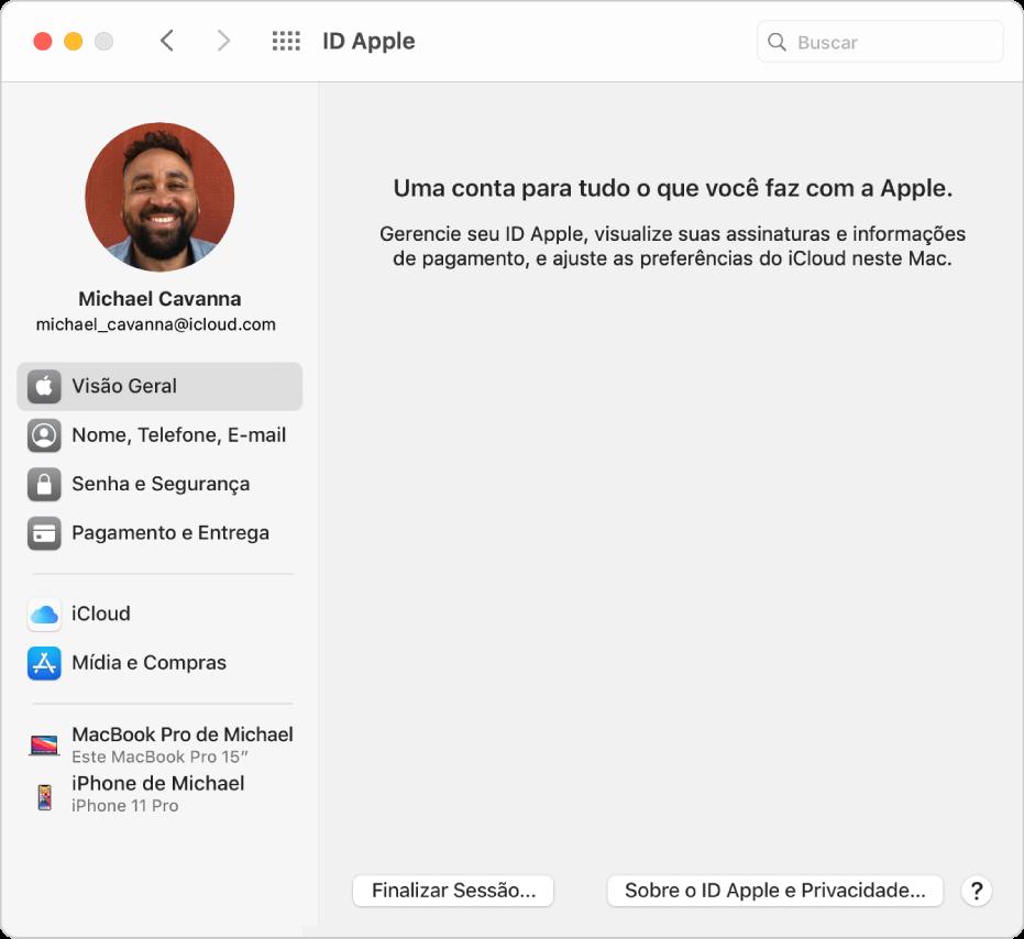 Preferência ID Apple mostrando uma barra lateral com diferentes tipos de opção de conta que você pode usar e a preferência Visão Geral exibindo o botão Finalizar Sessão.
