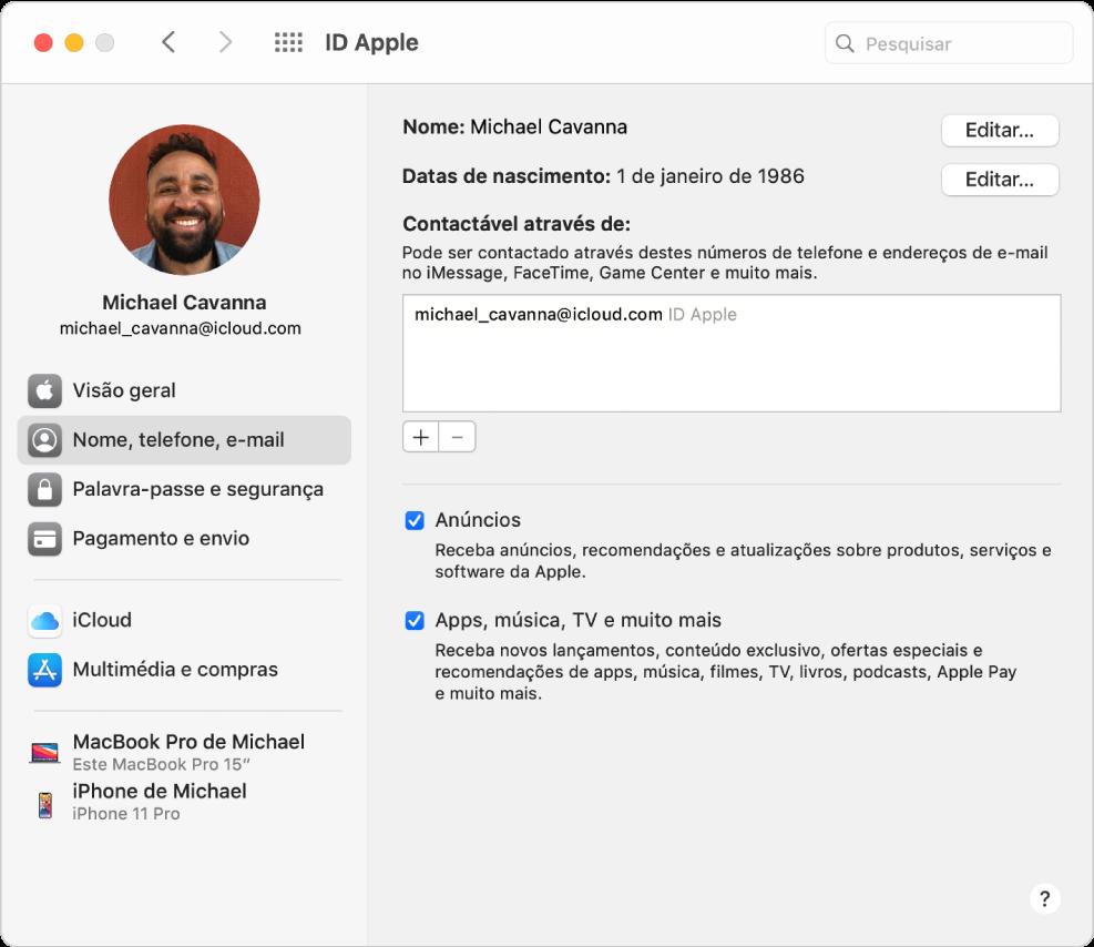 Preferências do ID Apple apresentando uma barra lateral com vários tipos de opções de conta que pode utilizar e as preferências de nome, telefone e e-mail de uma conta já existente.