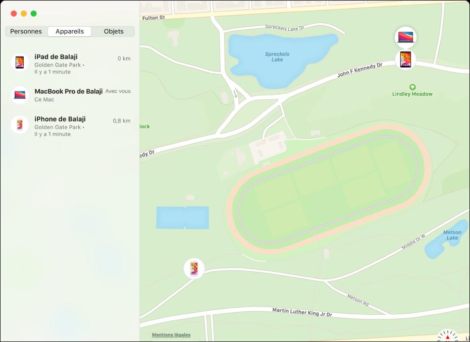 L'app Localiser affichant une liste d'appareils dans la barre latérale et leur position sur un plan sur la droite.