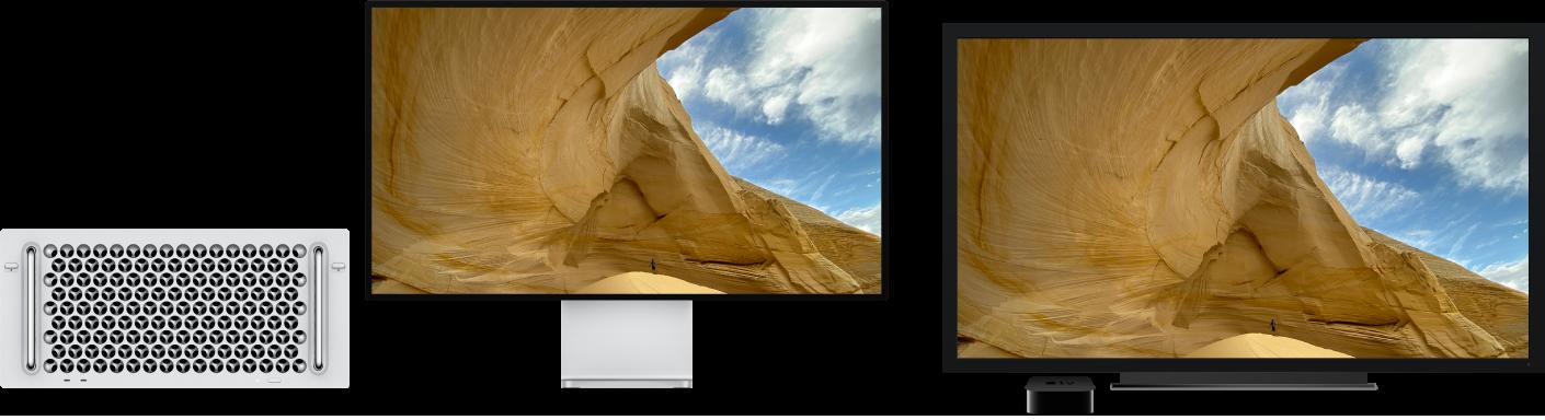 En MacPro med dess innehåll speglat på en stor HDTV med hjälp av en AppleTV.