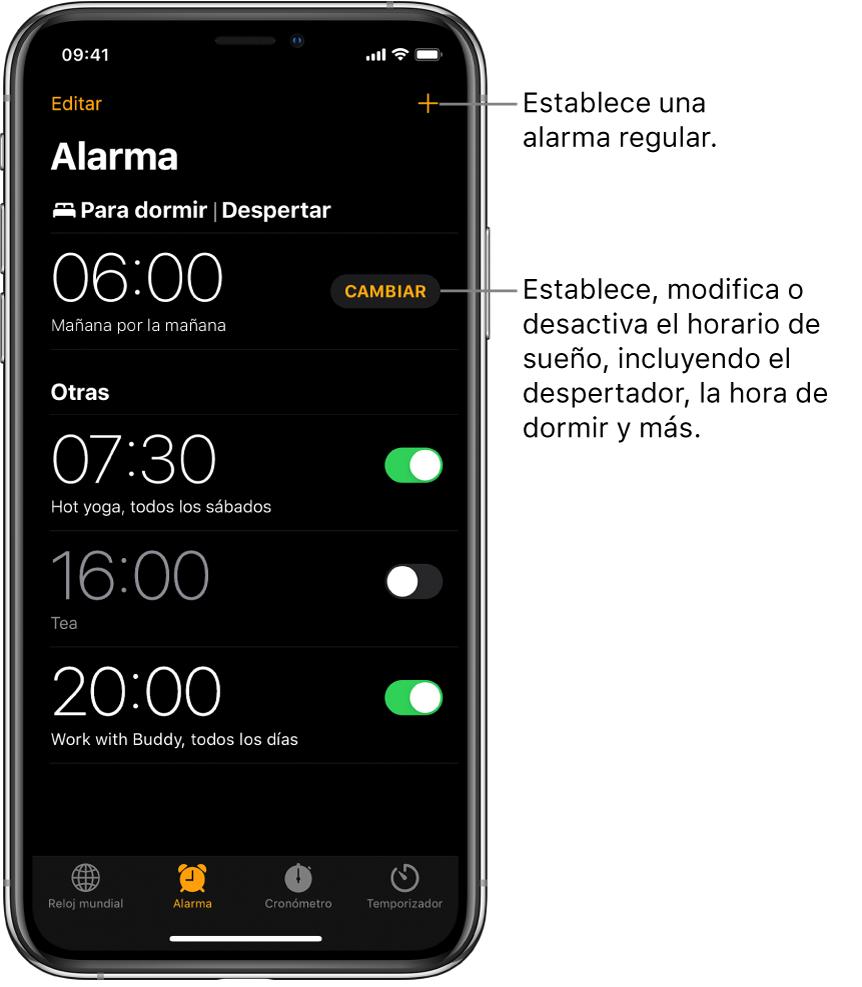 La pestaña Alarma mostrando cuatro alarmas para varias horas de día, el botón para establecer una alarma normal en la esquina superior derecha, y la alarma Despertador con un botón que permite cambiar el horario de sueño desde la app Salud.