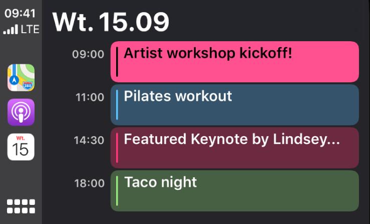 Ekran kalendarza wCarPlay, zawierający cztery wydarzenia zaplanowane na wtorek 15 września.