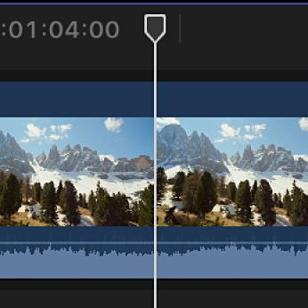 Cursor de reproducción situado en un clip de la línea de tiempo