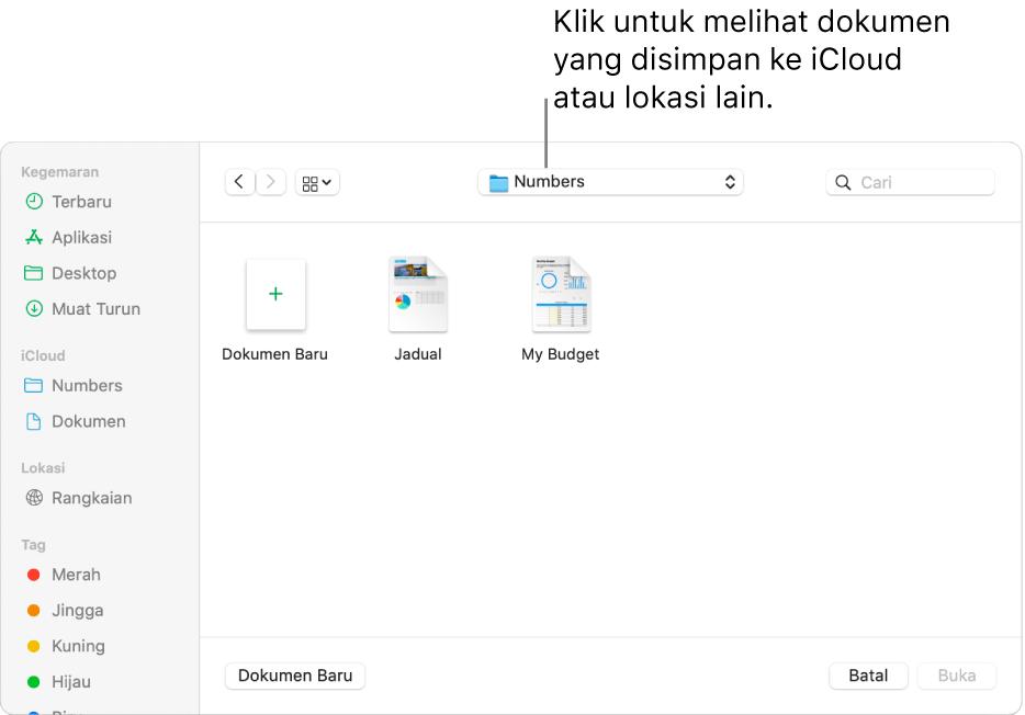 Dialog Buka dengan bar sisi dibuka pada bahagian kiri dan iCloud Drive dipilih dalam menu timbul di bahagian atas. Folder untuk Keynote, Numbers dan Pages muncul dalam dialog, bersama dengan butang Dokumen Baharu.