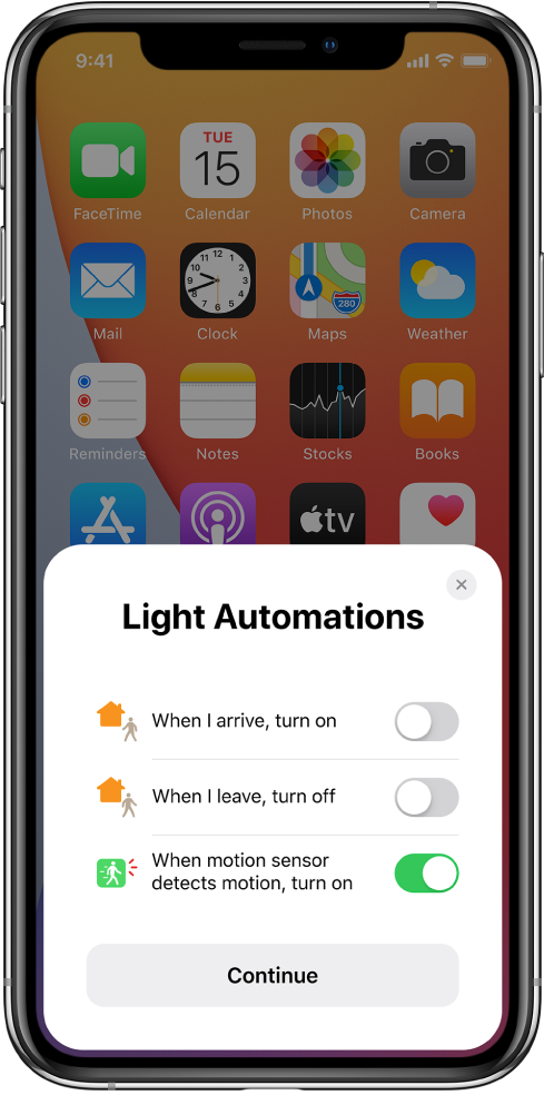 """A window on the Home Screen showing three suggested light automations—""""When I arrive, turn on,"""" """"When I leave, turn off,"""" and """"When motion sensor detects motion, turn on."""" A Continue button is below."""