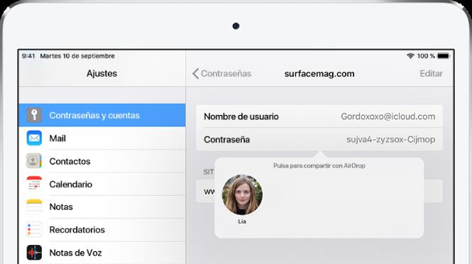 """Pantalla de contraseñas de un sitio web. Bajo el campo de contraseña, un botón muestra una foto de Lia con la instrucción """"Pulsa para compartir con AirDrop""""."""