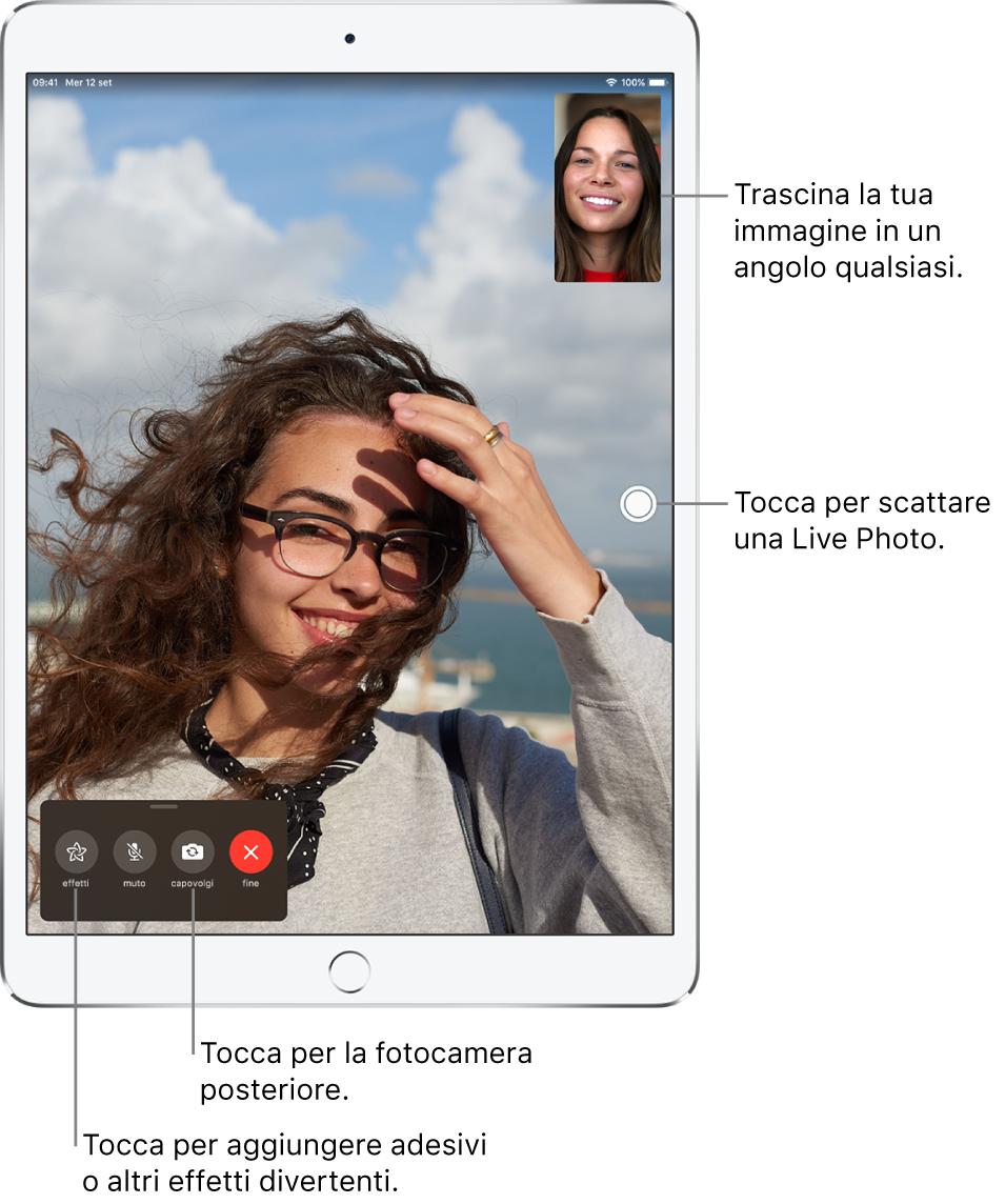 La schermata di FaceTime che mostra una chiamata in corso. La tua immagine appare in un piccolo rettangolo in alto a destra e l'immagine dell'altra persona riempie il resto dello schermo. Nella parte inferiore dello schermo ci sono i pulsanti Effetti, Muto, Capovolgi e Fine.