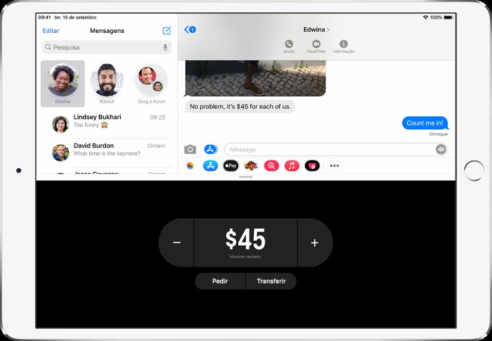 Uma conversa iMessage com a aplicação ApplePay aberta na parte inferior.
