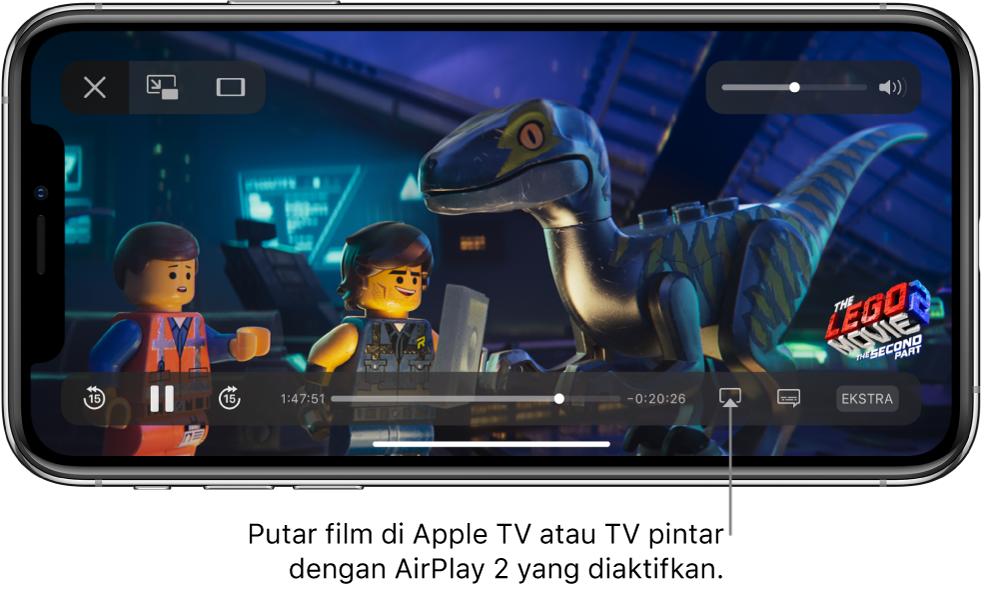 Film diputar di layar iPhone. Di bagian bawah layar terdapat kontrol pemutaran, termasuk tombol Pencerminan Layar di dekat kanan bawah.