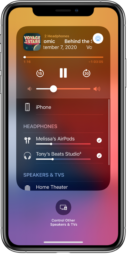 AirPods және Beats құлақаспаптарының қосылғанын көрсетіп тұрған Control Center экраны.